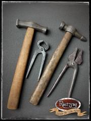 2x Werkzeughammer + 2x Zangen (Prop aus PU-Weichschaum)