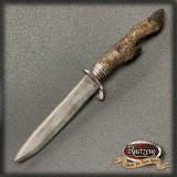 Messer mit Rehfuss, geschäumtes Prop/Requisit